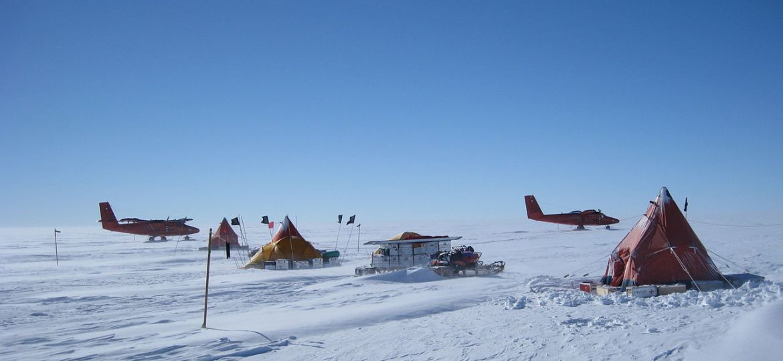 field-camp-on-pine-island-glacier.jpg